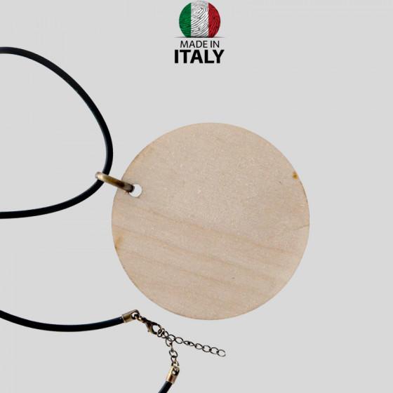 Leather necklace Ø 8 cm.